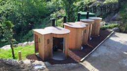 Toilettes autonomes KL2 PRM avec urinoir installation à Bessorgues