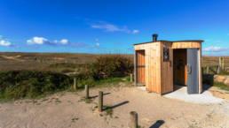 Toilette publique Kazuba kl2 en Bretagne sur le sentier de kerminihy