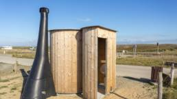Kazuba dry toilets on Kerouriec beach in Erdeven